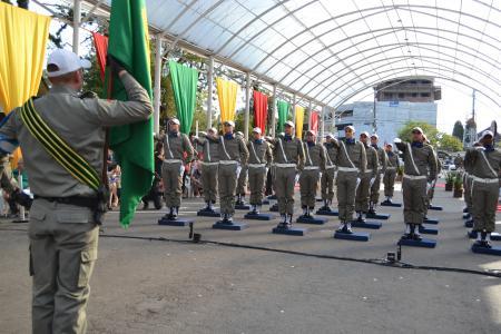 Vereadores prestigiam a formatura de 26 soldados da Brigada Militar em Igrejinha