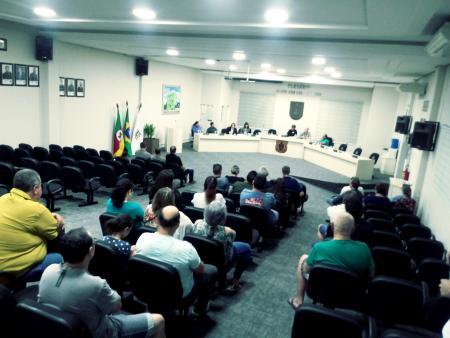 Câmara realiza reunião com moradores do Garibaldi sobre abastecimento de água